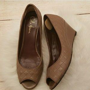 Cole Haan Nike Air quilt texture peep toe wedges 7